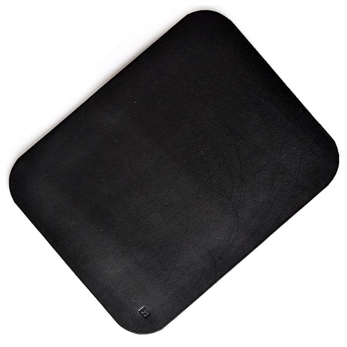 Черный коврик